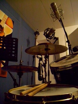 drum kit with mikes